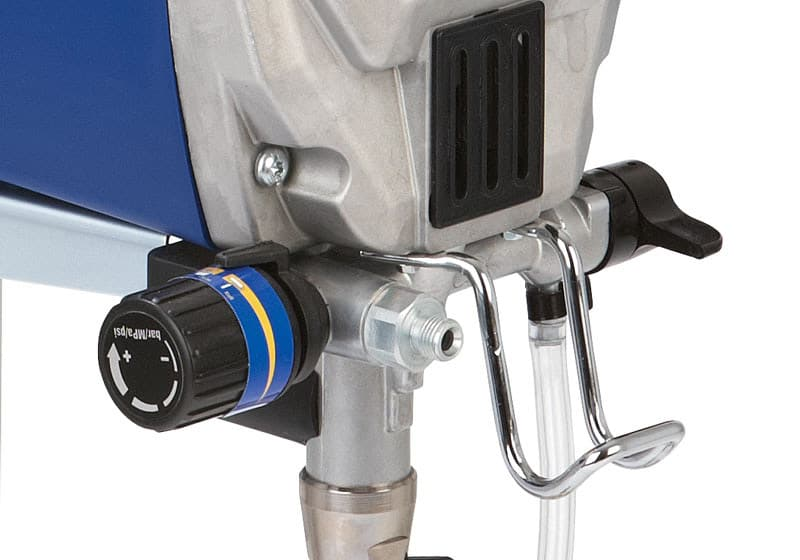 Paint-pot-hook-on-the-Graco-Pro-X7