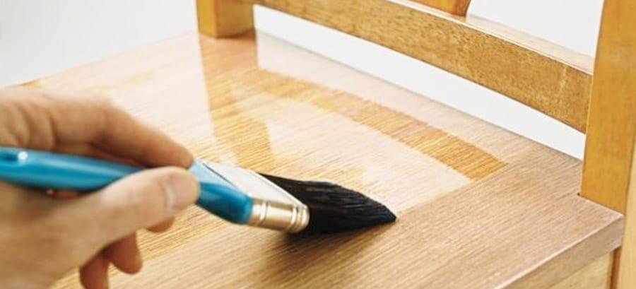 How to Spray Polyurethane Paint