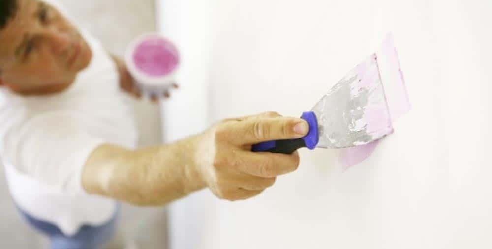 Using Drywall Spackle